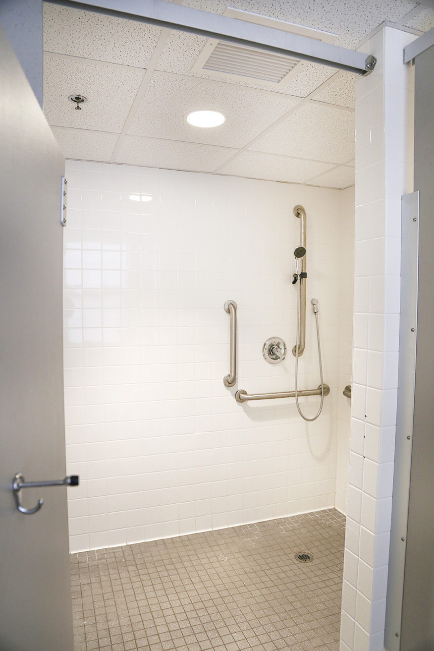 Shallow bathtub shower walk in tub shower door twin bay for Shallow tub shower combination
