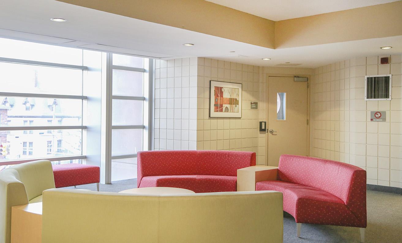 Uc Floor Lounge